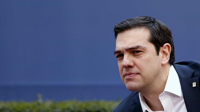 Tsipras promete investigação abrangente aos fogos que mataram 91 pessoas
