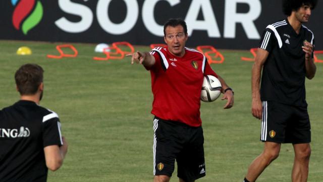Bélgica e Wilmots rescindem contrato após falhanço no Euro2016