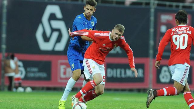 Benfica empresta Dawidowicz ao Palermo