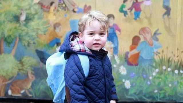Porque é que este ano não haverá uma foto oficial de George na escola?