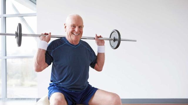 Estudo sugere que a musculação pode contribuir para a saúde cerebral