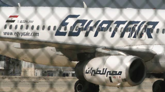 Gravações áudio de voo MS804 da EgyptAir indicam fogo antes de queda