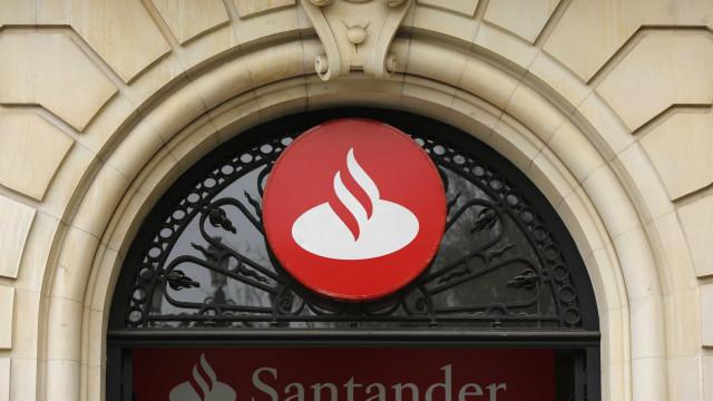 Santander nega estar a preparar uma redução de postos de trabalho cá