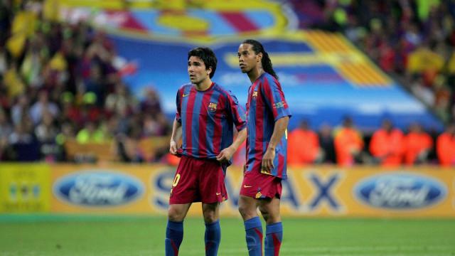 """""""Ronaldinho e Deco chegaram a treinar bêbados no Barcelona"""""""