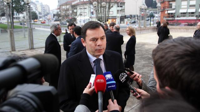 Montenegro quer 'cartão amarelo' em maio e vermelho em outubro