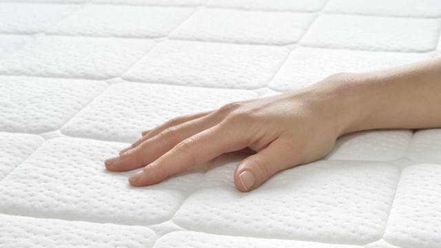 Aprenda a limpar o colchão para mantê-lo livre de ácaros (e não só)