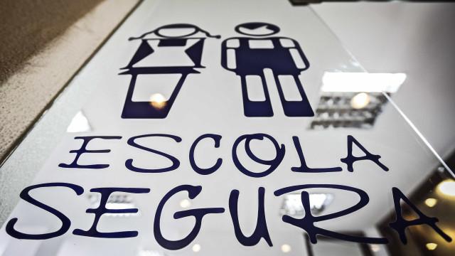 """Escola Segura: 25 anos depois, """"alterou-se o rótulo do polícia mau"""""""