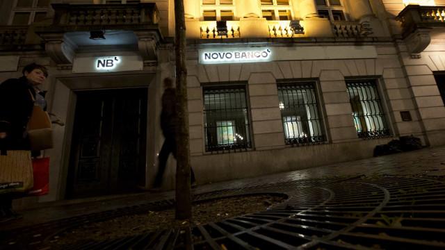 Dependência do Novo Banco assaltada em Benfica. Assaltante em fuga