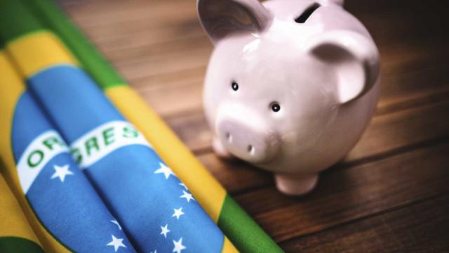 Mercado prevê que Brasil terá défice primário de 33,2 mil milhões em 2018