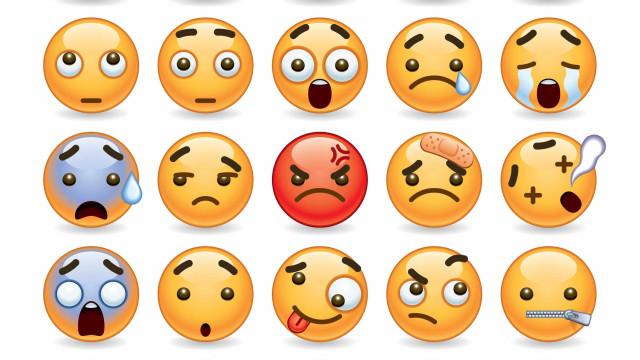 Homem acusado de atentado ao pudor durante filme dos emojis