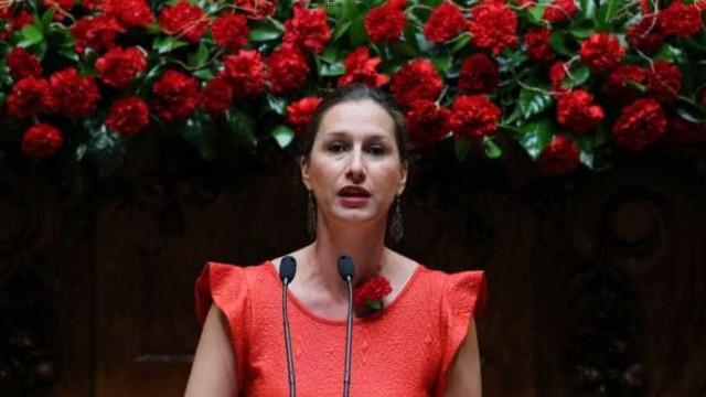 """Governo fez """"aliança com PSD E CDS"""" para manter normas gravosas laborais"""