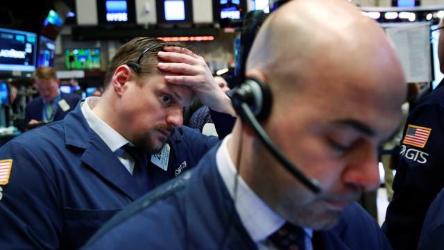 Wall Street fecha em baixa clara por preocupações com economia mundial
