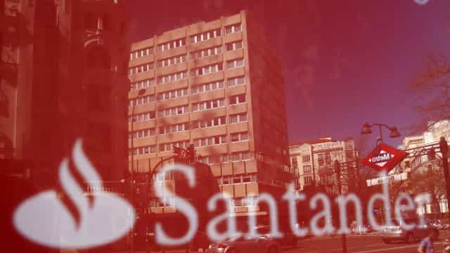 Santander aumenta segurança dos clientes com novo bloqueio de cartões
