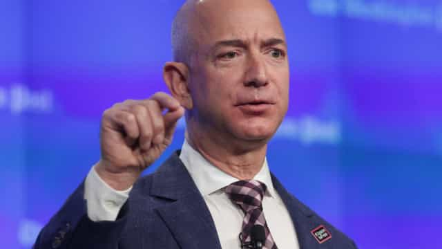 Jeff Bezos, fundador da Amazon, é o homem mais rico do mundo