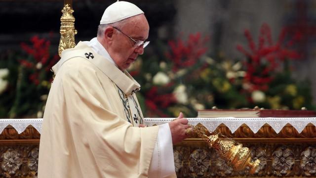 """Eleições: Papa apela à Venezuela para que encontre """"caminho da paz"""""""