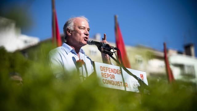 Luta de trabalhadores da Altice produziu resultados, diz Arménio Carlos