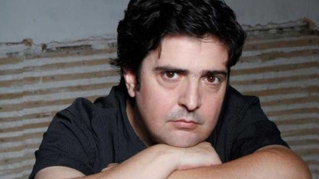 Helder Moutinho passa 25 anos de carreira em revista no Teatro S. Luiz