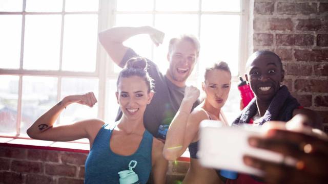 Cinco atitudes que fazem com que gostem menos de si