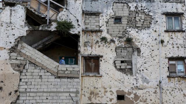 Síria: Onze mortos por raides aéreos no noroeste do país