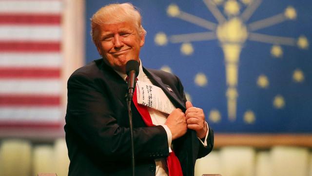 Trump reenvia por engano mensagem de crítico classificando-o de fascista
