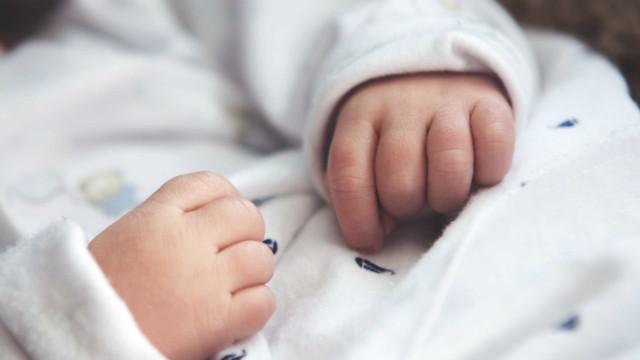 Licença parental do pai ganha 5 dias. Esta e outras medidas que vêm aí