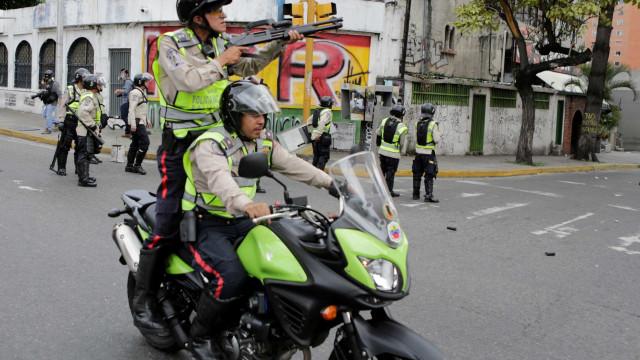 Três jornalistas detidos na Venezuela por fazerem gravações sobre turismo