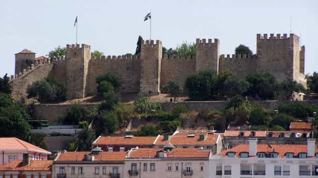 Torre do Tombo adquire escritura de 1383 do Castelo por 750 euros