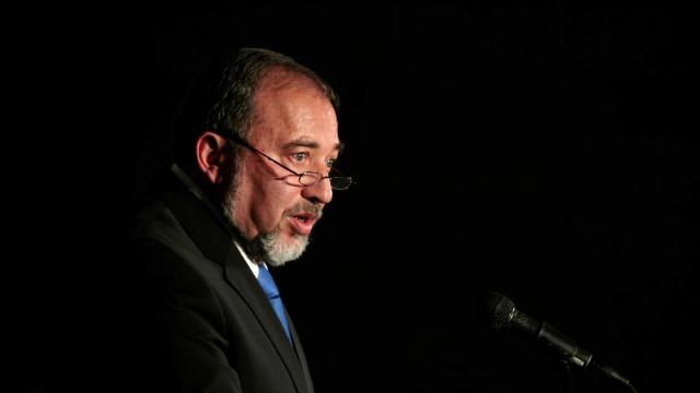 Ministro da Defesa israelita pede boicote a região de maioria árabe