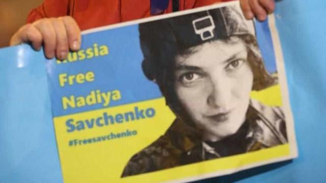"Deputada e heroína ucraniana Nadiya Savchenko detida por ""terrorismo"""