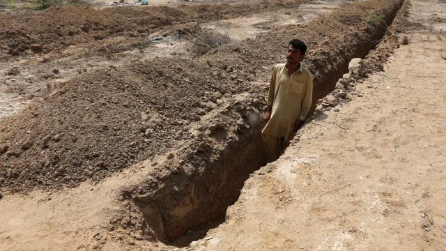 Mais de 200 valas comuns com milhares de corpos descobertas no Iraque