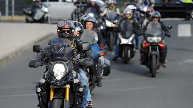 'Motards' agridem grupo de pessoas na Maia. Tiros disparados