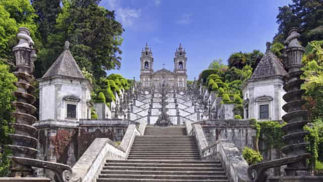 Ciclista cai de ravina no Bom Jesus de Braga e está em estado grave