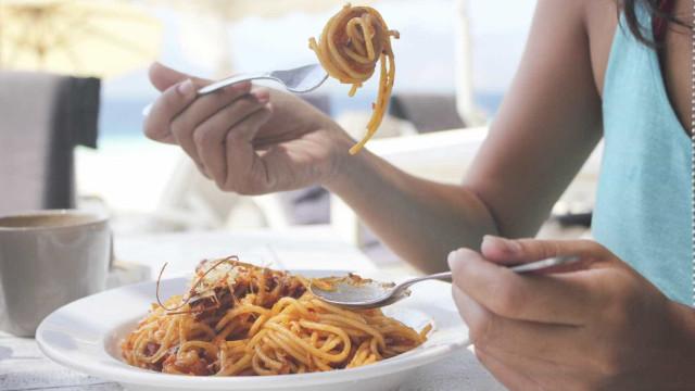 Estudante morre horas depois de comer esparguete conservado há cinco dias
