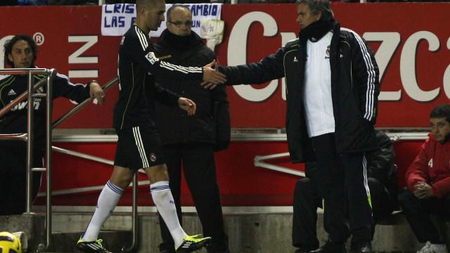 """Benzema revela o momento em que começou a """"perder respeito"""" a Mourinho"""