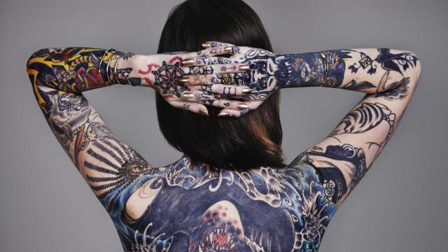 Dor é só um obstáculo para fazer tatuagens, piercings ou escarificação