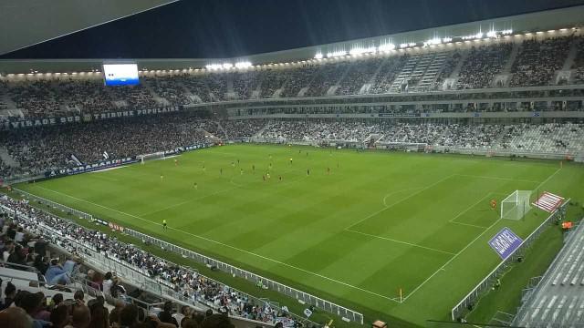 Bordéus abre processo disciplinar a três jogadores por vídeo após derrota
