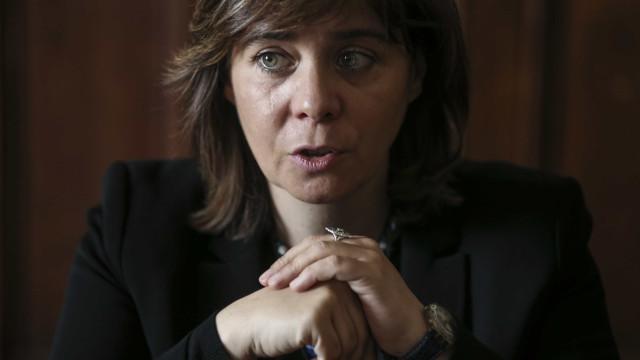 """Catarina Martins espera que Governo """"ouça com atenção"""" avisos do PS"""