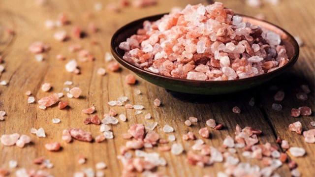 Será o sal rosa dos Himalaias tão bom como dizem?