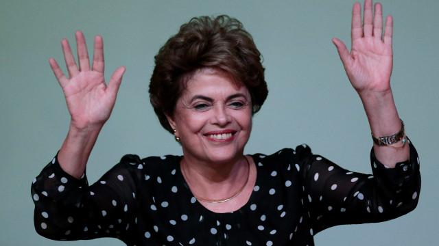 """PCP ao lado de Dilma contra """"governo golpista de Michel Temer"""""""