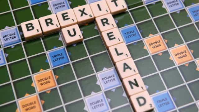"""Brexit: Irlanda preocupada com """"falta de progressos"""" quanto à fronteira"""