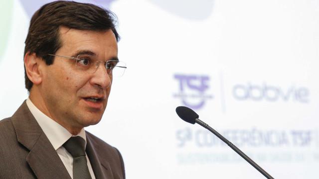 Sarampo: Ministro apela para vacinação de profissionais de saúde