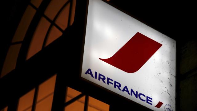 Avião da Air France perdeu peças do motor em pleno voo