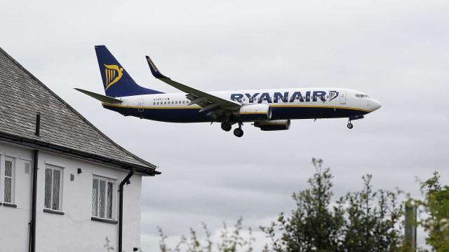 Ryanair cancela 16 voos na Irlanda na terça-feira por greve de pilotos