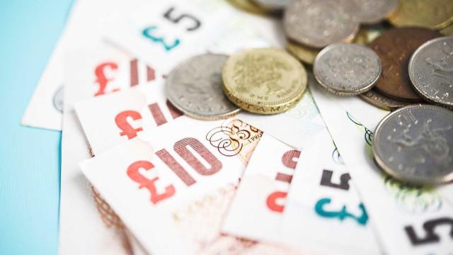 Reino Unido: May sobreviveu à votação e quem ganhou foi a libra