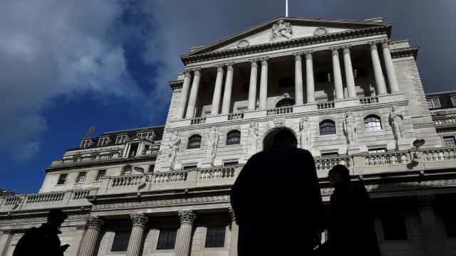 """Banco de Inglaterra alerta para """"riscos materiais"""" do Brexit"""