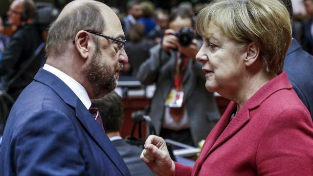 Merkel e Schulz chegam a acordo para novo governo na Alemanha