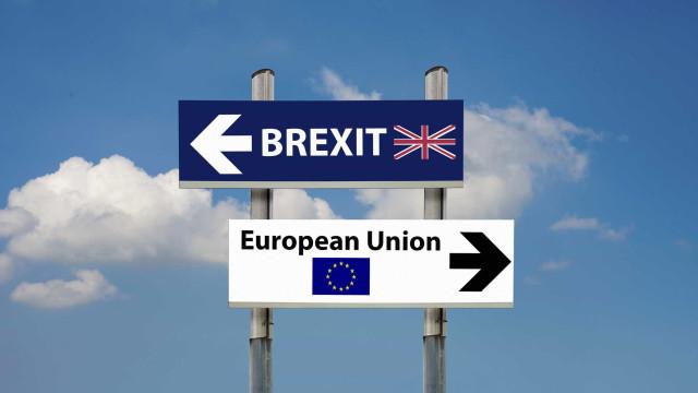 Londres pronta a pagar até 40 mil milhões de euros a União Europeia