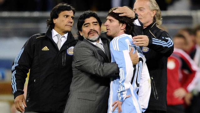 """Maradona arrasador: """"Gostava que Messi nos mandasse todos c..."""""""