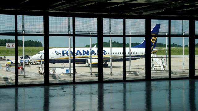"""Ryanair diz que pontualidade está """"em valores extremamente positivos"""""""
