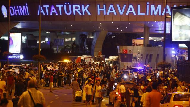 Istambul: Prisão preventiva para 13 supostos colaboradores do atentado